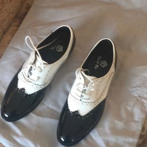 Oxford style shoes white and black new